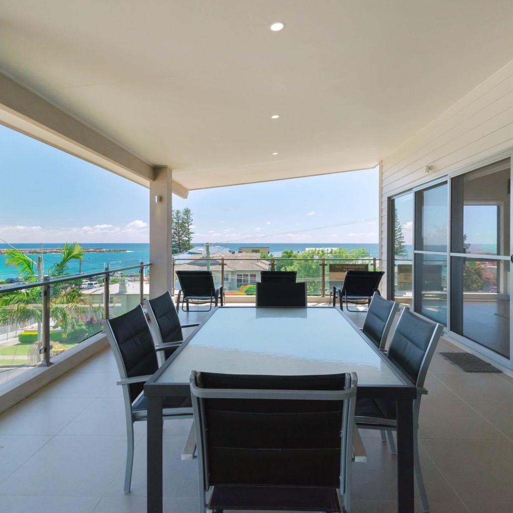 Bimbadeen Penthouse - Across From Main Beach