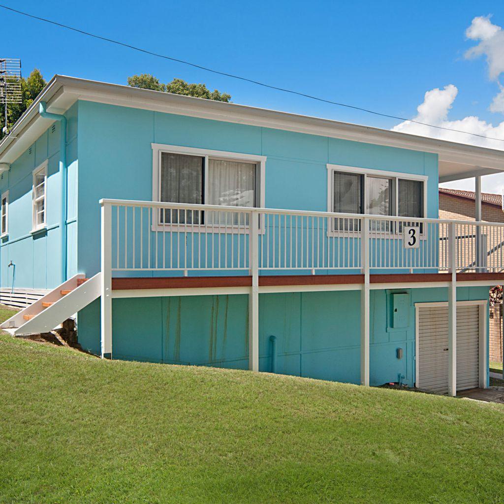 The Blue House - Original Yamba Beach Shack