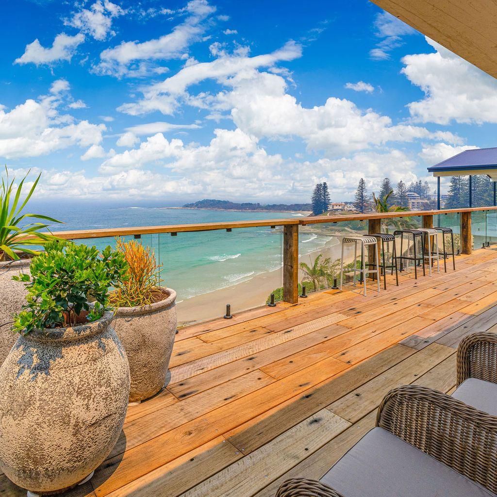 Beach Shack On Main- Yamba's Premier Holiday Property