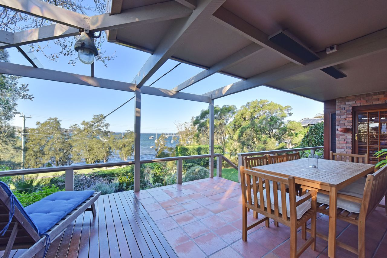 Wangi Waterfront Delight Estate - Waterfront Reserve Home