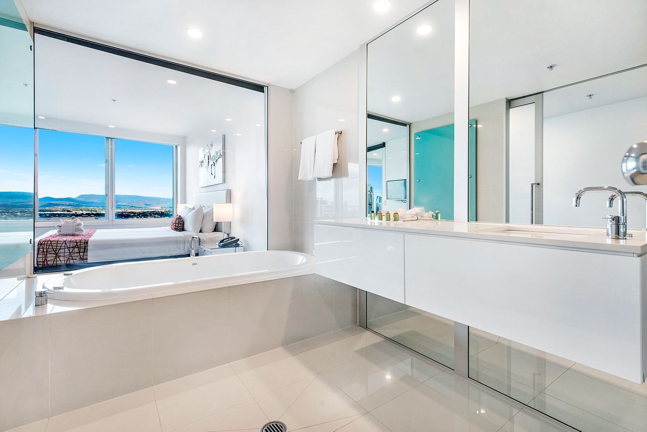 private-2-bed-ocean-view-in-q-surfers-paradise