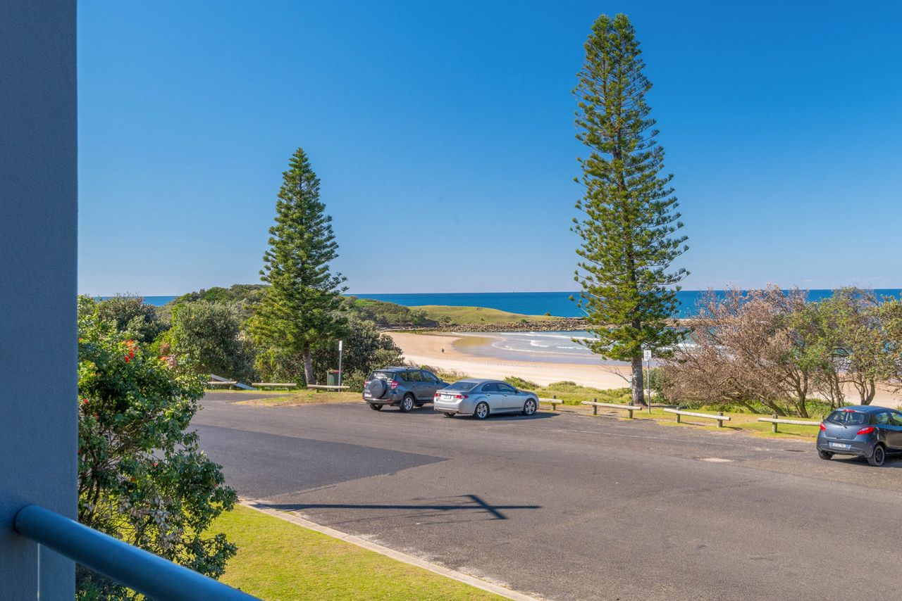 blue-pacific-3-across-the-road-from-pippi-beach