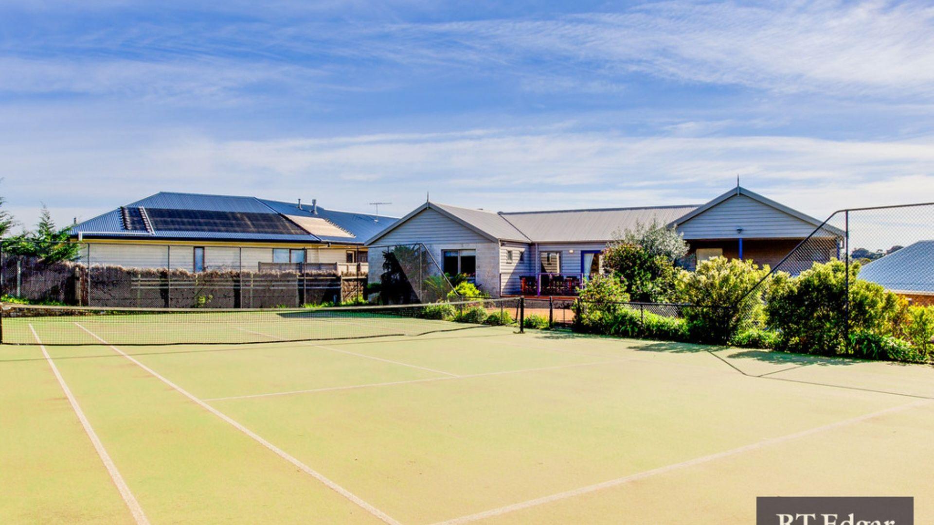 Tennis on Nelson