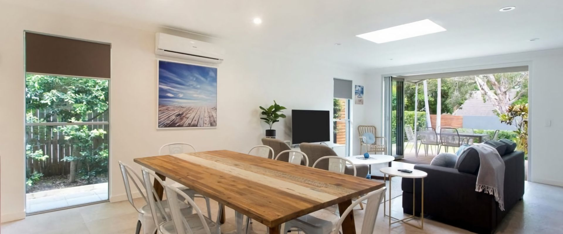 Depper St – Charming Beach Side Home in Lovely Location