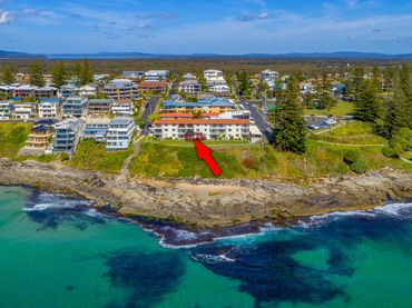 Craigmore On The Beach – Unit 4 – Waterfront Location
