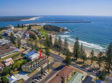 Seaspray Unit 2 –  Views Over Main Beach
