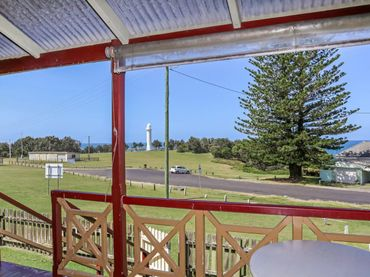 Yamba Pilot Cottage 1 – pets welcome – True Holiday House – Great Ocean views.