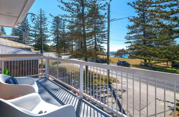 Burleigh Unit 1 – Overlook Main Beach
