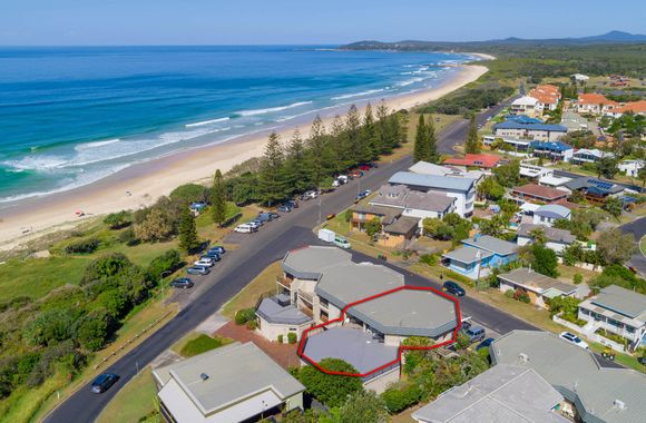 Romiaka 8 – views over the Pippi Beach