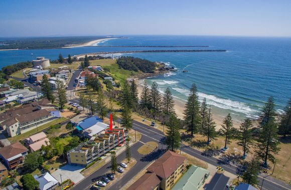 Seaspray Unit 2 –  Views Over Main Beach