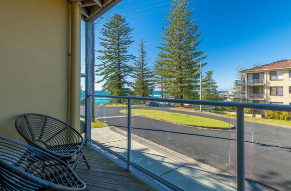 Seaspray 3 -Fantastic Viewing deck with BBQ all for you.