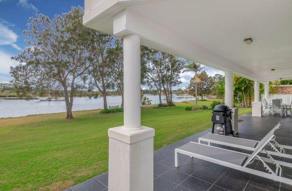 Taroona – Waterfront Holiday House Yamba