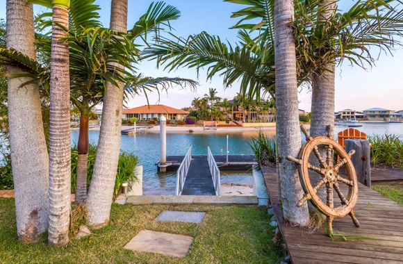 Vista del Mare – Luxury waterfront Free Wi-Fi One of our best properties. Lap pool just for you.