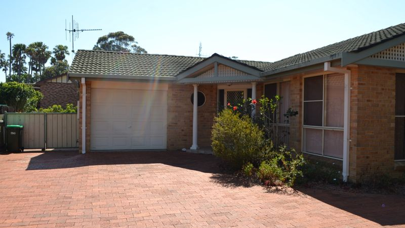 1/4 Huntly Close