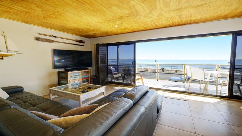 Hibiscus Court 3 – Forster Main Beach!